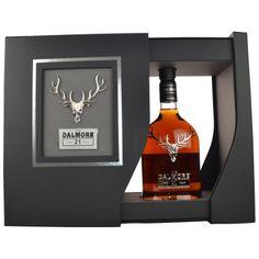 Der Dalmore 21 Jahre, ist auf 8.000 Flaschen limitiert und stammt sowohl aus Ex-Bourbonfässern als auch aus First-Fill Matusalem Oloroso Sherry Butts von der Bodega Gonzalez Byass. Diese 21 jährige Rarität kommt mit 43 %Vol. in die Flasche. 479,90 € Herkunftsland: Schottland ◾Typ: Single Malt Whisky ◾Brennerei/Marke: Dalmore ◾Abfüller: Eigentümer-Abfüllung