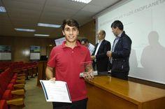 ENTREGA PREMIOS OLIMPIADA DE FISICA. Rubén Gil Montesdeoca, de 2º Bachillerato, segundo premio.