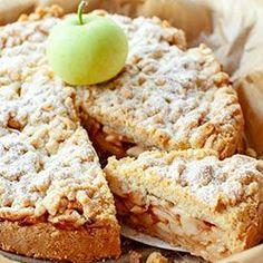 Szarlotka z papierówek Pear Recipes, Sweet Recipes, Good Food, Yummy Food, Tasty, Polish Recipes, Something Sweet, Dessert Recipes, Desserts