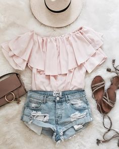Put your style on cruise control and serve up vacation vibes with this easy-going Soft Breeze top. Soft Breeze Frilling Off-shoulder Top in Pink. Photo from Cellajane Blog