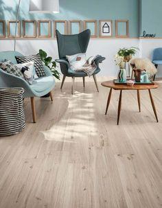 Imitation parquet floor tiles in 85 awesome ideas Wood Effect Porcelain Tiles, Ceramic Floor Tiles, Wood Look Tile Floor, Casa Loft, Parquet Flooring, Parquet Tiles, Retro Furniture, Modern Bathroom Design, Living Room