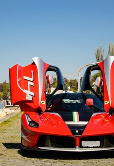 Visit The MACHINE Shop Café... ❤ Best of Ferrari @ MACHINE ❤ (Ferrari La Ferrari FXX-K Racer)
