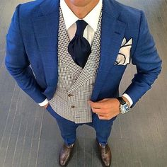 Discover outfit inspiration with the top 60 best navy blue suit with brown shoes styles for men. Explore masculine and professional men's fashion ideas. Blue Suit Brown Shoes, Navy Blue Suit, Navy Suits, Suit Up, Suit And Tie, Dapper Gentleman, Gentleman Style, Blue Check Suit, Suit Fashion
