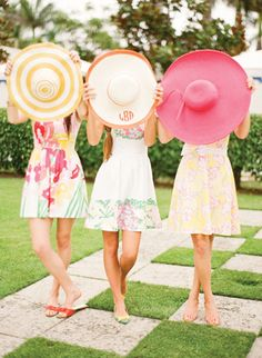 Casual Kentucky Derby looks inspired by Lilly Pulitzer. Love the monogrammed straw hats and Lilly sundresses. Kentucky Derby Party Inspiration with Old Southern Charm Lilly Pulitzer, Orange And Pink Wedding, Summer Sundresses, Floppy Hats, Straw Hats, My Bridal Shower, Wedding Showers, Fru Fru, Derby Day