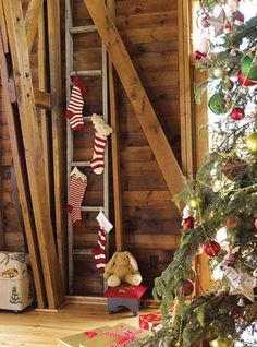 I think I will hang stockings on mt quilt ladder! LOVE!