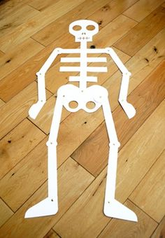 My Body Theme for Preschool! A theme to help your preschoolers learn about their bodies. This page includes preschool lesson plans, activities and Interest Learning Center ideas for your Preschool Classroom! Body Preschool, Preschool Lesson Plans, Preschool Themes, Youth Activities, Preschool Science, Preschool Classroom, Holidays Halloween, Halloween Crafts, Holiday Crafts