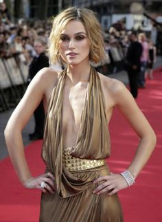 """Actress Keira Knightley arrives at the European Premiere of """"Pirates. Keira Knightley Makeup, Keira Knightley Style, Skinny Body Inspiration, Fashion Inspiration, Bollywood Actress Hot Photos, Pretty Star, Female Actresses, Gal Gadot, Celebs"""