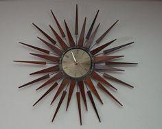 "Seth Thomas ""Starflower"" wall clock, c. The clock consists of 32 spokes with teak points. Mid Century Art, Mid Century House, Mid Century Design, Danish Modern, Mid-century Modern, Scandinavian Modern, Retro Clock, Cool Clocks, Vintage Furniture"