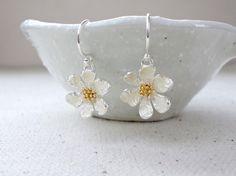Flower earrings, Daisy earrings, Silver earrings, Flower girl earrings, Wedding earrings, Bridesmaid earrings by KeyYoung on Etsy https://www.etsy.com/listing/194440896/flower-earrings-daisy-earrings-silver