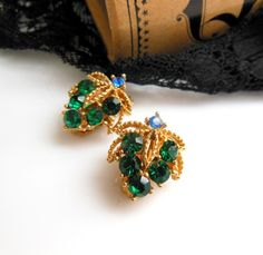 Vintage Emerald Green Blue Rhinestone Gold Tone Grape Bunch Flower Clip Earrings