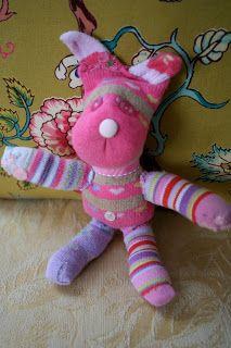 Pink and Green Mama: Homemade Gift: Sock Animals