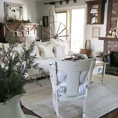 Cottage Farmhouse Living Room