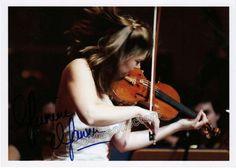 Jansen, Janine - signed photo playing violin