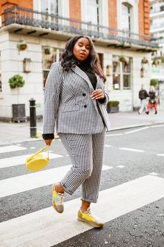 I've Been a Stylist for 10 Years—These 3 Outfits Always Look Good - The 3 Most Classic Outfits That Suit Everyone Plus Size Suits, Outfits Plus Size, Look Plus Size, Curvy Girl Outfits, Fat Fashion, Curvy Fashion, Girl Fashion, Fashion Outfits, Petite Fashion