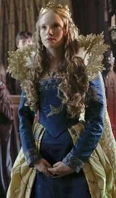 Catherine Howard's Blue Gown. (The Tudors, 2007).  Have i mentioned that Joan Bergin is my HERO!?!