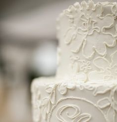 Tips to Save Money on a Wedding Cake    http://www.savvysugar.com/How-Save-Money-Wedding-Cake-24081610#read-more