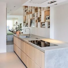 Cozy Kitchen, Kitchen On A Budget, Kitchen Decor, Kitchen Cabinets And Backsplash, Bar Design, Kitchen Views, Mid Century Modern Kitchen, Kitchen Collection, Home And Deco