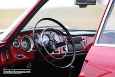 Detailaifnahme eines Ghia 1500 GT mit Lenkrad von Fiat © Bruno von Rotz #Ghia1500GT #Ghia #Fiat #detail #1965 #classiccar #classiccars #oldtimer #auto #car #cars #vintage #retro