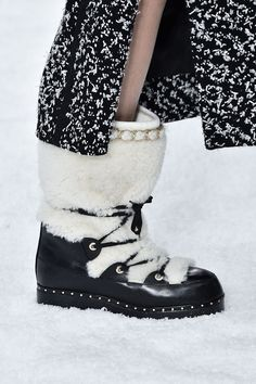 Paris Fashion Week Has Your Feet Covered. Check Out The Latest Styles From Chanel, Dior, And More. Hottest Shoes From Paris Fashion Week 2019 luxuryhunters Catch the LUX Warm Boots, Snow Boots, Rock Style, My Style, Fall Shoes, Hot Shoes, Lanvin, Suede Leather, Me Too Shoes