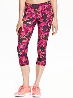 Gear up for your workout with performance pants and leggings for women at Old Navy. Workout Capris, Fashion And Beauty Tips, Leggings, Athletic Wear, My Wardrobe, Fitness Fashion, Active Wear, Old Navy, Clothes For Women