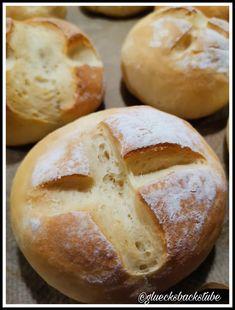 Topfenweckerl | Glücksbackstube Bread, Food, Brot, Essen, Baking, Meals, Breads, Buns, Yemek