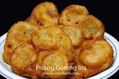 Pisang Goreng Iris Malaysian Food, Indonesian Food, Fritters, Asian, Iris, Tart, French Toast, Muffin, Banana