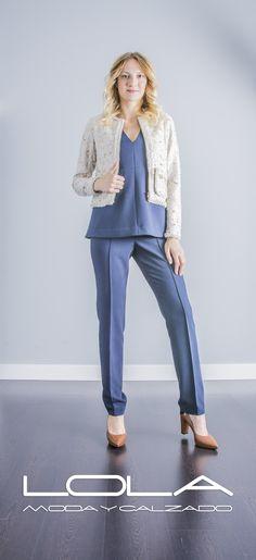 Tu chaqueta corte chanel de OKY COKY. Combinación perfecta.  Pincha este enlace para comprar tu chaqueta en nuestra tienda on line:  http://lolamodaycalzado.es/otono-invierno-2016/864-chaqueta-corte-chanel-de-oky-coky.html