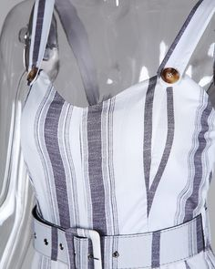 Mono Corto De Rayas A Rayas Con Detalle De Botones Online. Discover hottest trend fashion at chicme.com Trend Fashion, Womens Fashion Online, Pattern Fashion, Sleeve Styles, Amazing Women, Buttons, Lingerie, Clothes For Women, Vestidos