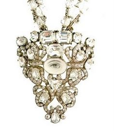 Carnet de Mode is an international marketplace providing a cutting-edge selection of fashion items, among dresses, jewelry, bags, shoes. Victorian Jewelry, Antique Jewelry, Vintage Jewelry, Lovers Eyes, Miniature Portraits, Mourning Jewelry, Eye Jewelry, Jewellery, Looking For Love