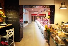 IGLOO POLAND Pastry Display, Poland, Food, Meal, Cake Shop, Essen, Hoods, Ignition Coil, Meals