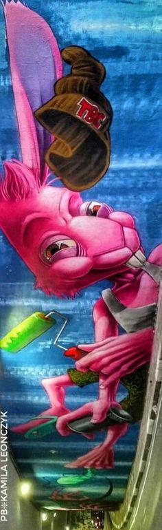 #streetart - Sao Paulo, Brazil artist Karen Kueia