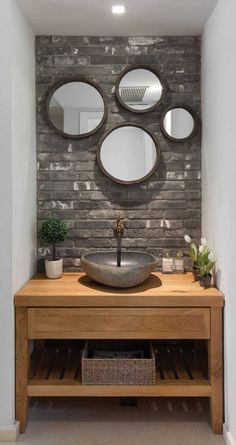 Awesome Small Wooden Vanity Ideas Modern Bathroom - Home Decor Small Bathroom Vanities, Small Bathroom Storage, Small Vanity, Bathroom Taps, Bathroom Closet, Bathroom Organization, Bad Inspiration, Bathroom Inspiration, Modern Bathroom Design