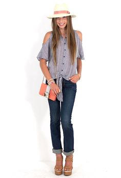 Perfect tourist outfit! #vacay #vacation #beach #clothes #style #effortless #casual #weekend #onthego #accessories #bag #hat #shoes #cutouts