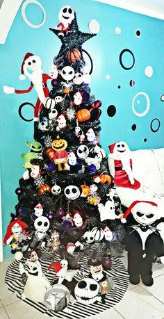 I have akot Nightmare Before Christmas Decorations, Christmas Door Decorations, Christmas Themes, Black Xmas Tree, Jack And Sally, Christen, Halloween 2019, Jack Skellington, Tim Burton