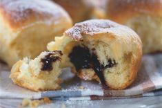 Czech sweet buns - here with plum jam filling! Slovak Recipes, Czech Recipes, Russian Recipes, Mexican Food Recipes, Sweet Recipes, Whole Food Recipes, Cooking Recipes, Yummy Recipes, Prague Food