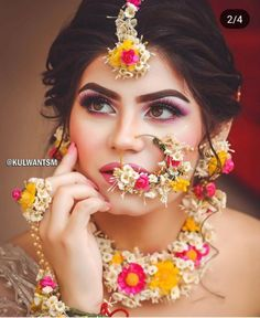 No amount of diamonds and polkis can do justice to a bride the way floral jewellery does, . It is a rite of passage that completes her… Bridal Mehndi Dresses, Bridal Outfits, Bridal Lehenga, Wedding Dresses, Flower Jewellery For Mehndi, Flower Jewelry, Haldi Ceremony, Indian Bridal Makeup, Wedding Makeup