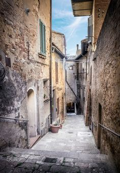 Captivating street of old Montepulciano - Captivating street of old…