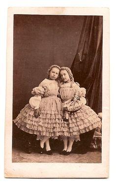 Интересное и забытое - быт и курьезы прошлых эпох. - Шляпки- фото конца 19- середины 20 века.