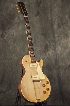 1952 Gibson Les Paul model (Bing search)