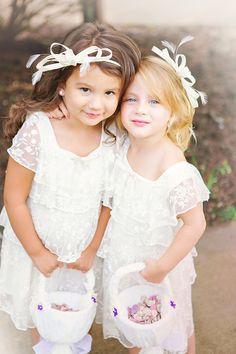 adorable flower girls @cleverwedding