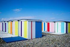 Pour fêter le 500ème anniversaire de la ville les cabanes de plage se parent de leurs plus beaux rubans (création Karel Martens)  Photo par @chris.richer  www.uneteauhavre.fr/  #uneteauhavre #lehavre500ans #lh_lehavre #lehavre #lh #lehavretourisme #portduhavre #havraisemblable #lehavretheplacetobe #lhtheplacetobe #igerslehavre  #seinemaritime #seinemaritimetourisme #normandie #normandietourisme #igersnormandie #normandymylove #francemylove #art #artdaily #artist #installation #expo…