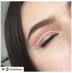 Eyeliner Designs, Eye Makeup Designs, Eyeliner Ideas, Eyeliner Styles, White Eyeliner Makeup, Cat Eye Makeup, Eyeshadow Makeup, White Eyeliner Looks, Eyeshadow Palette