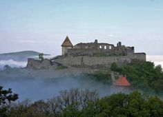 Visegrád castle - take a Budapest 101 tour here! Real Castles, Budapest Hungary, Travelogue, Homeland, Monument Valley, Countryside, Istanbul, The Good Place, House Styles