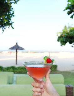 The perfect spot to cure your cravings for a taste of refreshing cocktails! Come and join us at the #TheTAOBali, our beachfront restaurant that overlooks the white sands of #TanjungBenoaBeach.  #TheTanjungBenoaBeachResort #TheTanjungBenoa #Bali