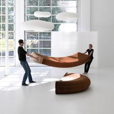 setting up a paper lounger at molo studio