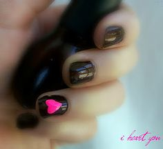 I heart this! Especially since my nails are ALWAYS BLACK <3