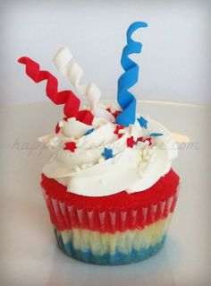 | Happy Cakes Bakes: 4th of July Firework Cupcakes!