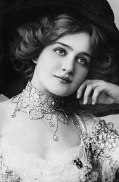 Traveling through history of Photography...Lily Elsie, English actress and singer, during the Edwardian era.