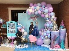and today, a few days after its premiere, we bring you the best guide to decorate a Frozen 2 Party; Frozen Themed Birthday Party, Disney Frozen Birthday, 2nd Birthday Parties, Birthday Balloons, 4th Birthday, Frozen Birthday Decorations, Frozen Balloon Decorations, Festa Frozen Fever, Diy