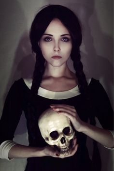 disfraz mujer halloween merlina adams